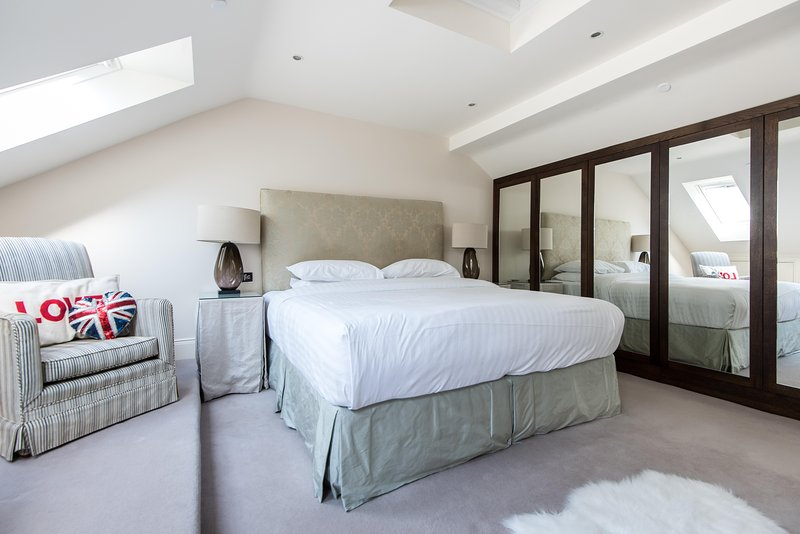 onefinestay - Drayson Mews private home - Image 1 - London - rentals