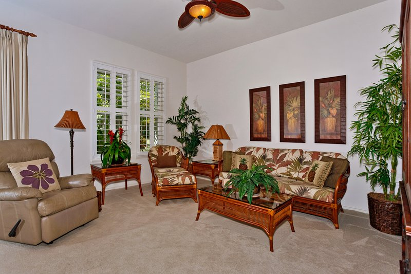 Spacious, Comfortable Living Room - Coconut Plantation 1208-2 - Kapolei - rentals