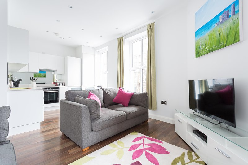 onefinestay - Greyhound Road private home - Image 1 - London - rentals
