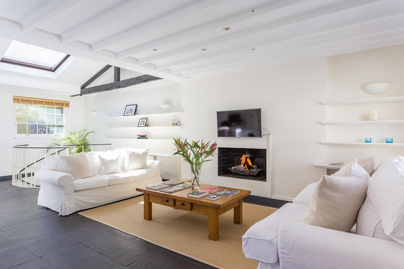 onefinestay - Holland Park Mews private home - Image 1 - London - rentals
