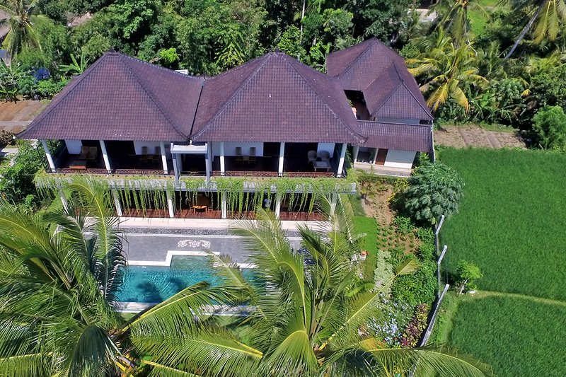 4 bedroom, 5 bathroom private villa with pool in Ubud - Image 1 - Ubud - rentals