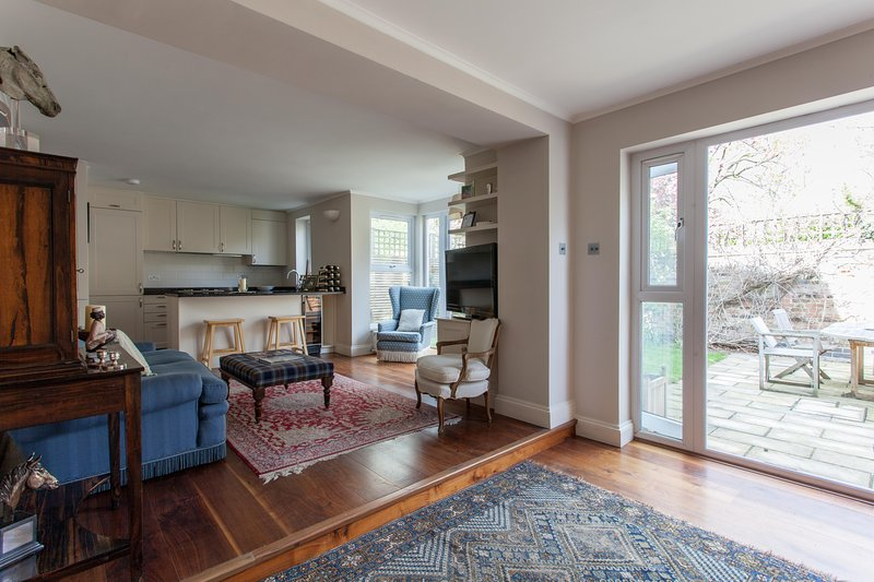 onefinestay - Pooles Lane private home - Image 1 - London - rentals