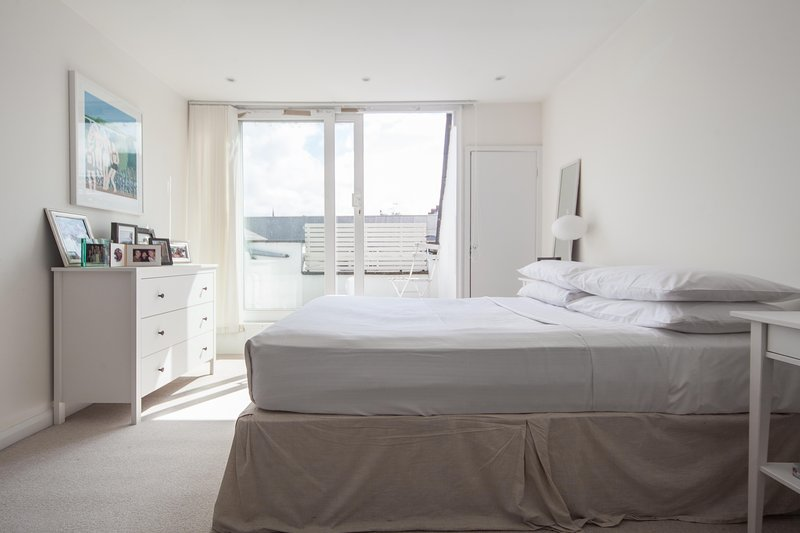 onefinestay - Wolverton Gardens private home - Image 1 - London - rentals