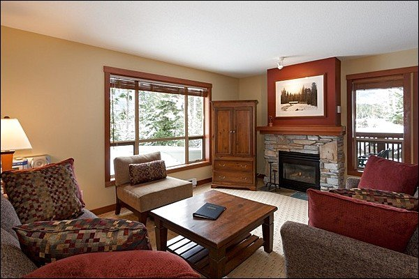 Living Room has Modern Furnishings and Cozy Gas Fireplace - Lush Forest Setting - Tasteful Furnishings & Fine Amenities (4024) - Whistler - rentals