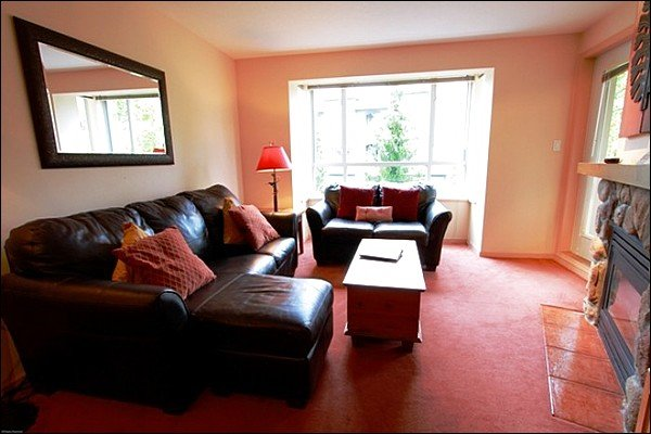 Comfy Living Area with Beautiful Whistler Views, Gas Fireplace, and Private Balcony - Short Walk to Whistler Conference Center - Common Area Fitness Room (4084) - Whistler - rentals