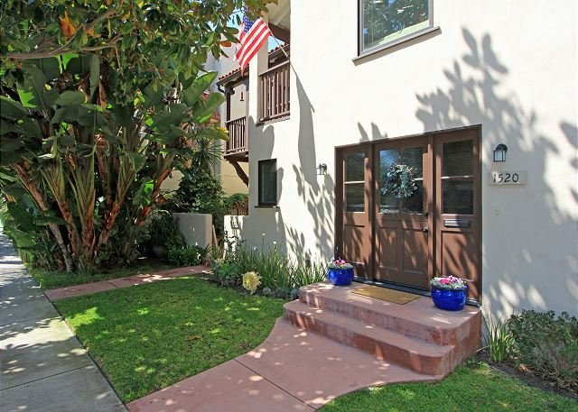 Classic Spanish-Style apartment in lovely Peninsula Point neighborhood(68253) - Image 1 - Newport Beach - rentals