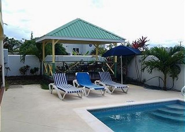 Barbados Cozy and Comfortable and a Great Price. - Image 1 - Speightstown - rentals