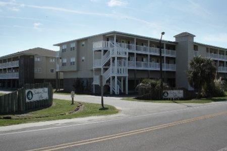 Charlie & Ann's Place - Unit 105 - Image 1 - Oak Island - rentals