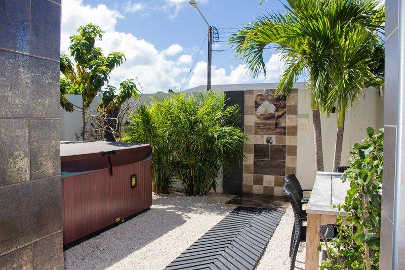 Swiss Paradise Aruba Garden Suite 2-51 - Image 1 - Noord - rentals