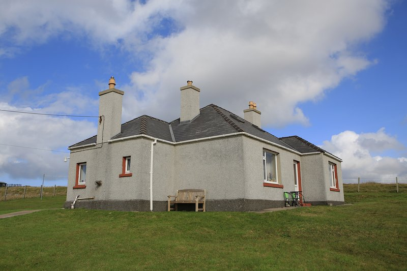 Croft house on Atlantic west coast, Isle of Lewis - Image 1 - Carloway - rentals
