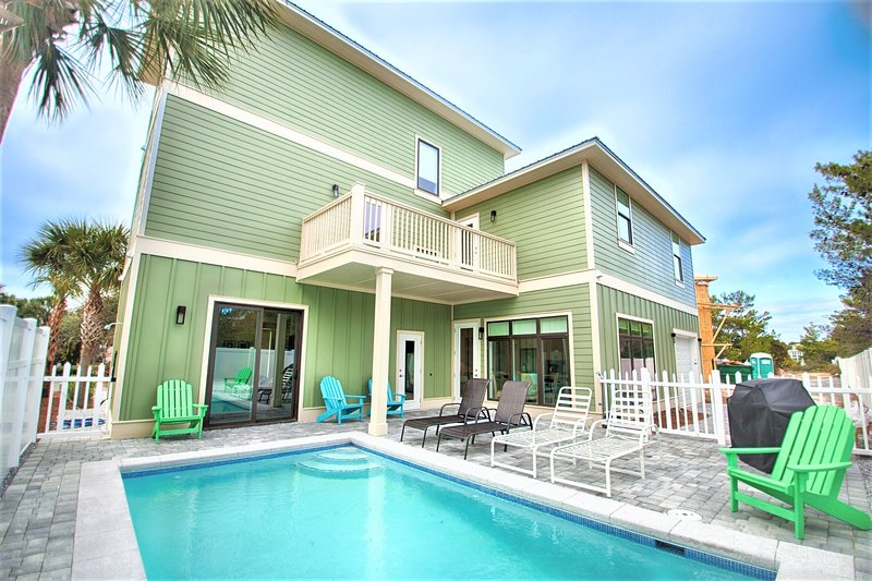 Iorana II's Private Pool feat. Plenty of Lounge Seating, Beautiful Gas Grill, 1/2 Bath, and Outdoor - 20% OFF Iorana II 3/4 - 3/11: BRAND NEW Beautiful 6 Bdrm, Sleeps 16, Priv Pool! - Miramar Beach - rentals