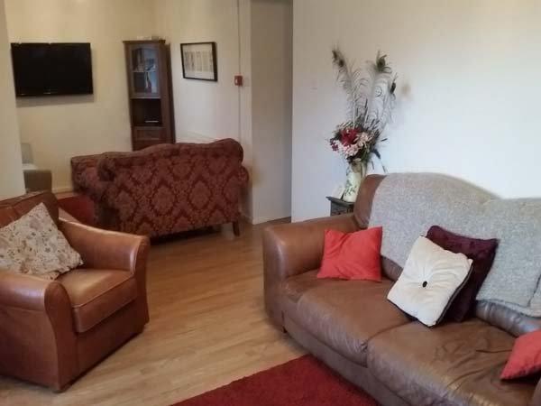 PLAS YN DRE, woodburner, flexible sleeping arrangements, fantastic views - Image 1 - Llanrwst - rentals