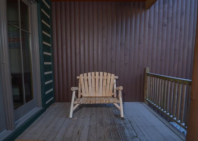 Bench - Gorgeous ski-in/ski-out property within walking distance to ASCI - McHenry - rentals