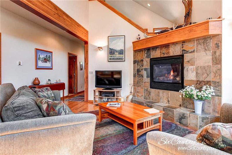 Four O'clock Chalet by Ski Country Resorts - Image 1 - Breckenridge - rentals