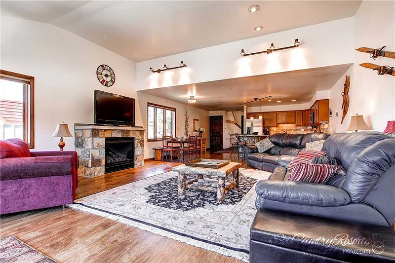 Mainridge Townhomes A by Ski Country Resorts - Image 1 - Breckenridge - rentals