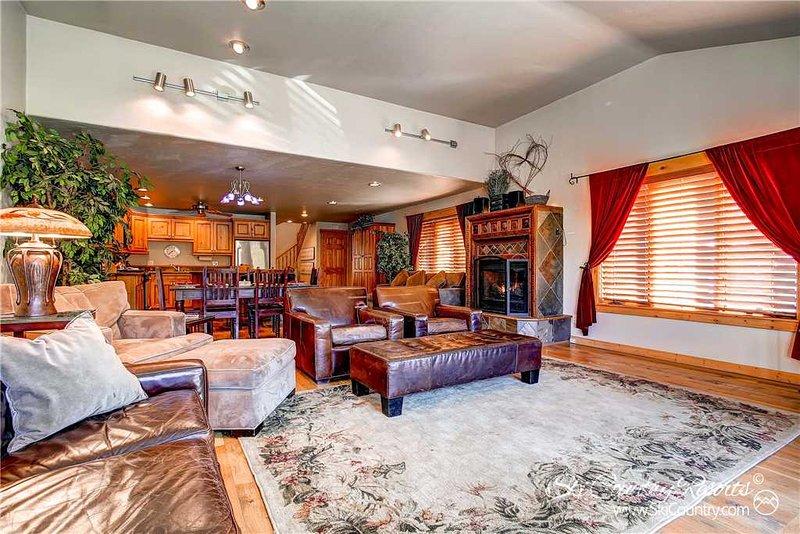 Mainridge Townhomes D by Ski Country Resorts - Image 1 - Breckenridge - rentals