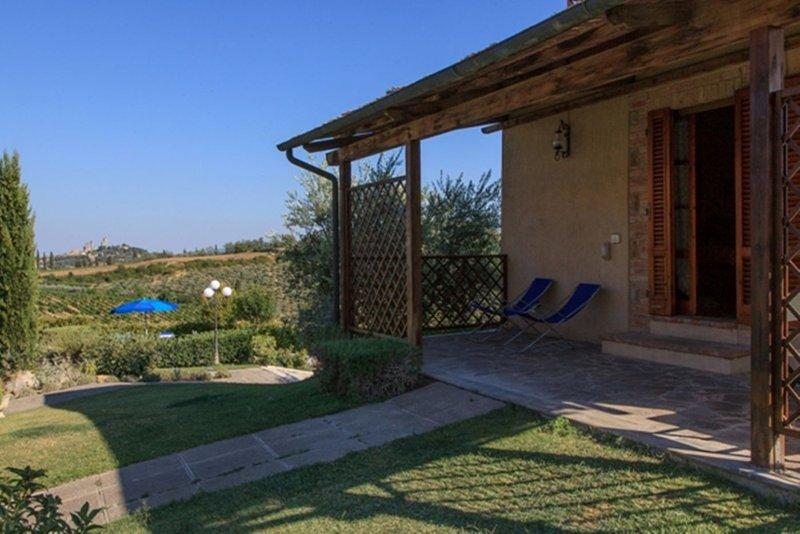 Il Granaio 1 Bedroom Tuscan Farmhouse - Image 1 - San Gimignano - rentals