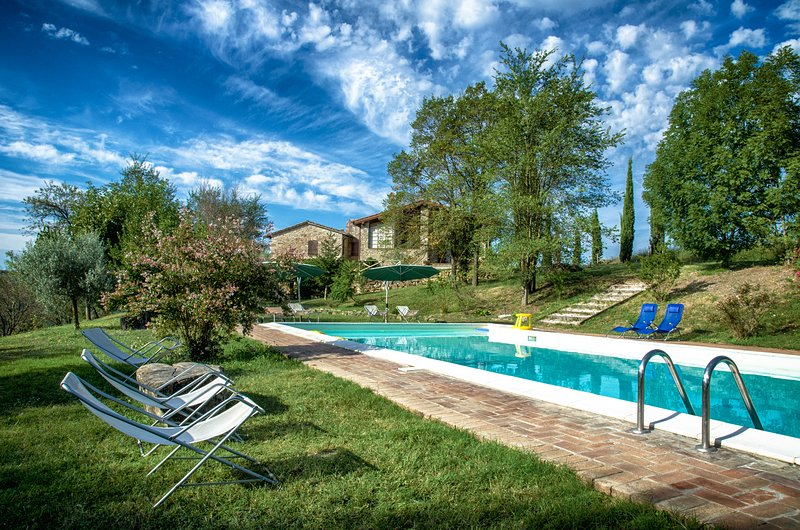 L'Ulivo, Family friendly holiday house with pool - Image 1 - San Venanzo - rentals
