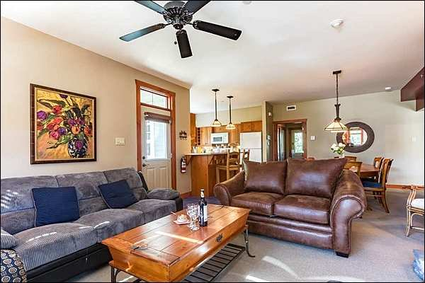 Cozy Living Room with Fireplace and Flat Screen TV - Fabulous Views of the Lake and Ski Slopes - Located on the 10th Tee of Le Geant Golf Course (6175) - Mont Tremblant - rentals