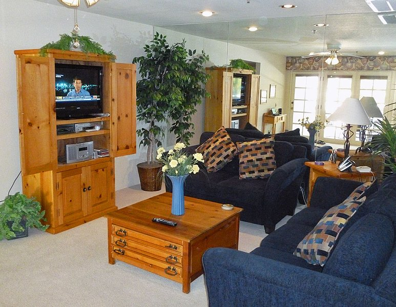 Living Room Entertainment Center - Deauville #524 - Palm Springs - rentals