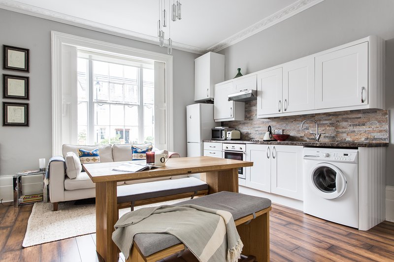 onefinestay - Barnsbury Park private home - Image 1 - London - rentals