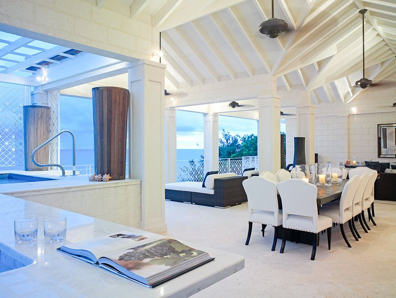 Smugglers Cove - The Penthouse, Sleeps 8 - Image 1 - Paynes Bay - rentals