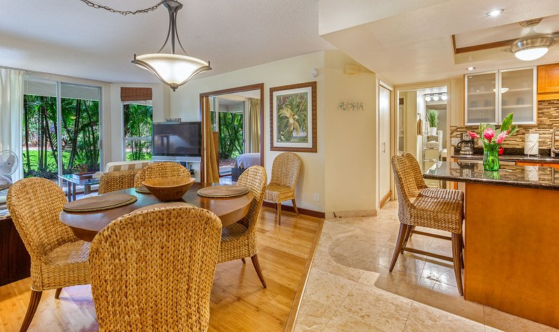 peaceful ground floor end unit - Maui Banyan 2 bd suite  *Sept/Oct low rates* - Kihei - rentals