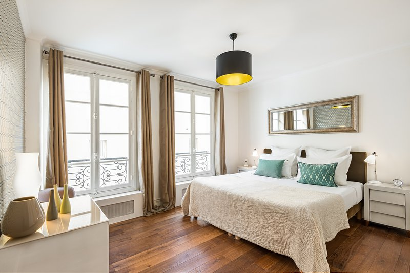 Bedroom view two  - Saint Germain Chic One Bedroom - Paris - rentals