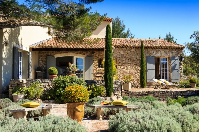 Charming Villa with Studio near Cabrieres d'Avignon - Villa Cabrieres - Image 1 - Cabrieres-d'Avignon - rentals