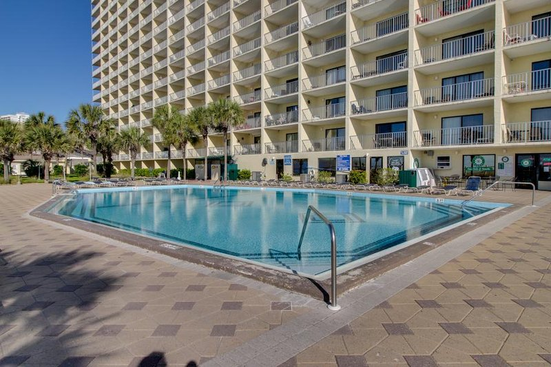 Beachfront condo w/shared pools, hot tubs, sauna & much more - Image 1 - Panama City Beach - rentals