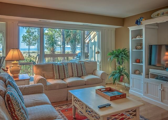 Living Area View - 1416 South Beach Villa-Fully Refurbished Beachfront Townhouse. - Hilton Head - rentals