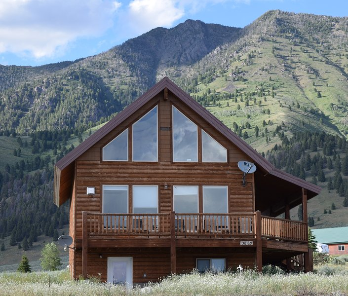 See all of our homes at. mt-cabins.co m - 4 Bedroom3BA Minutes to Yellowstone Park/Also See listing3319032for open dates - West Yellowstone - rentals