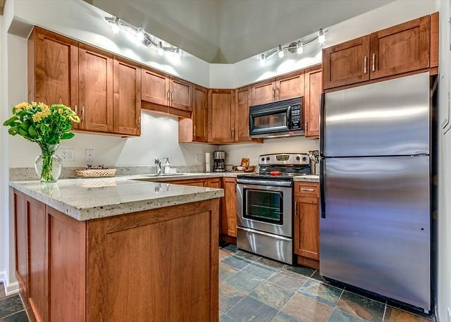 Full Kitchen - Greystone Lodge Largest Renovated 2 Bedroom + Loft W/D A/C | Acer Vacations - Whistler - rentals