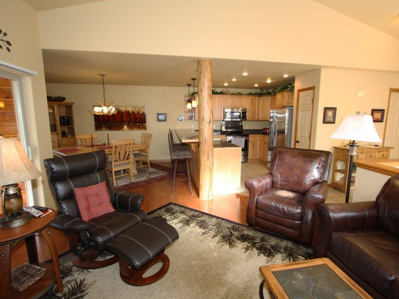 A Beautiful Home in a Family-Friendly Dillon Neighborhood - Image 1 - Breckenridge - rentals