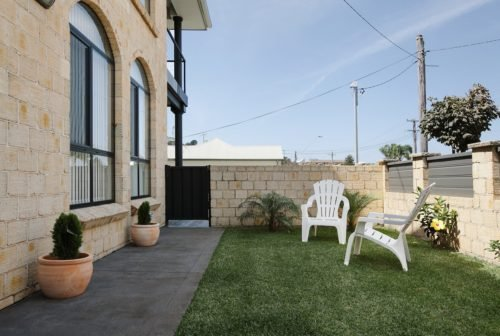 206*Thirroul - Only 350m from the beach. Check out our winter special! - Image 1 - Thirroul - rentals