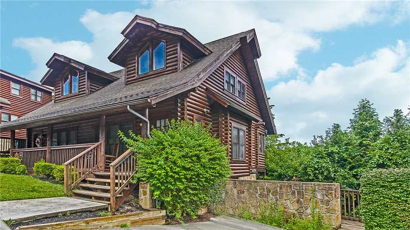 Log Heaven At Golf View - Image 1 - Pigeon Forge - rentals