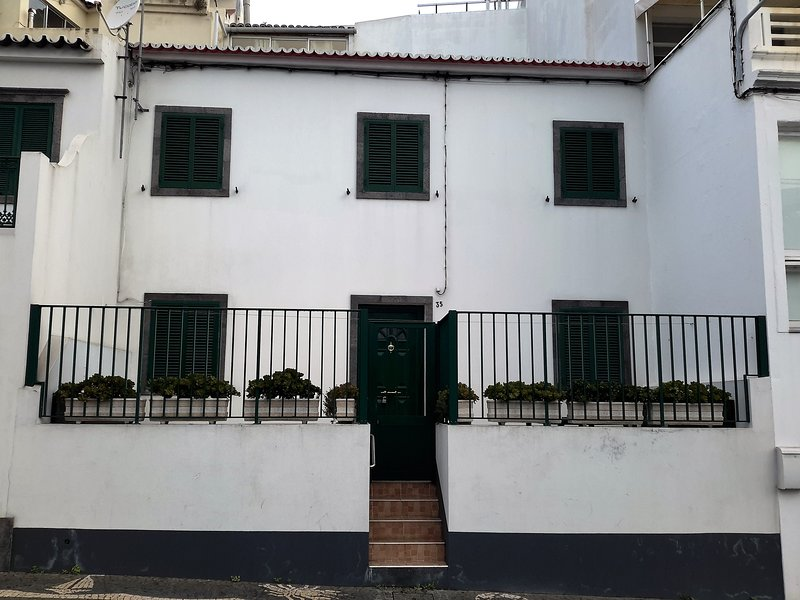 Front view of the house - House for rent in Ponta Delgada (calhetas) Sao Miguel, Acores Portugal - Ponta Delgada - rentals