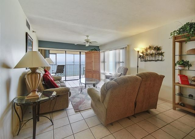 Living Area - Arie Dam #304 - Madeira Beach - rentals