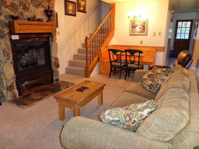Valley Condos #108 - WiFi, Washer/Dryer, Community Hot Tubs, Playground, Creek - Image 1 - Red River - rentals