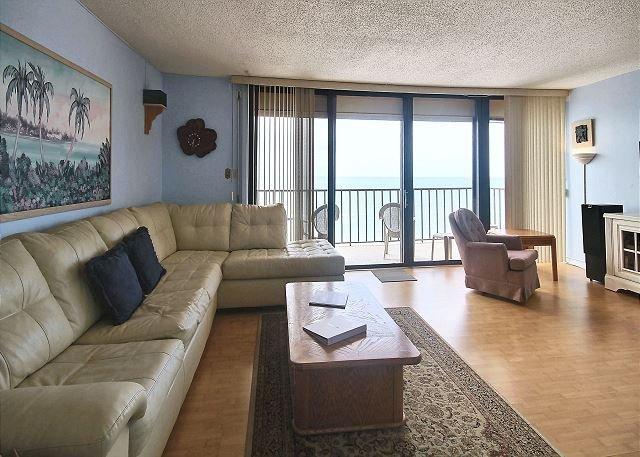 Living Area - Trillium #4C - Madeira Beach - rentals