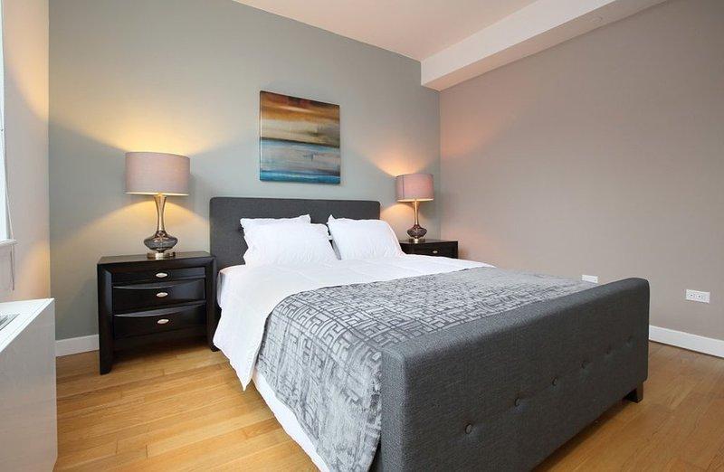 Tastefully Furnished 2 Bedroom, 1 Bathroom New York Apartment - Image 1 - New York City - rentals
