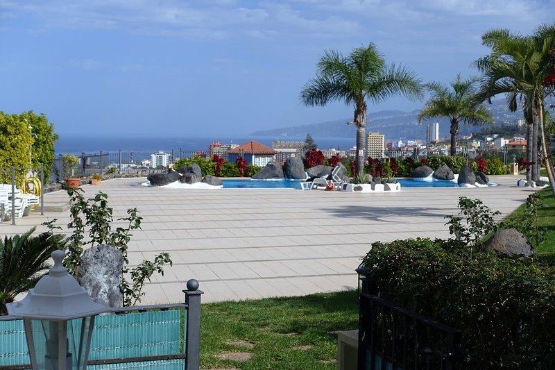Vistas solarium y piscina - Nice apartment with pool in residential complex - Puerto de la Cruz - rentals