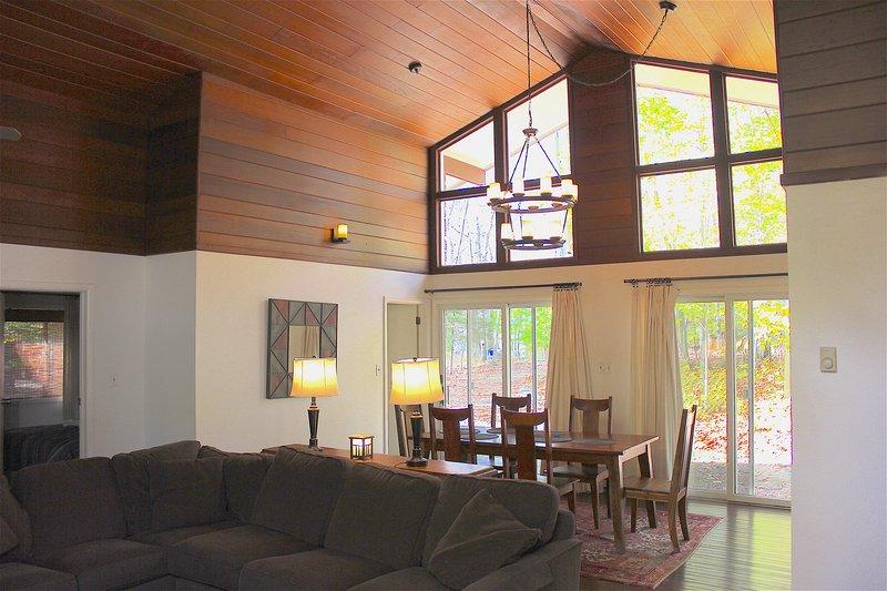 Renovated Pocono Ski House - Image 1 - Pocono Lake - rentals
