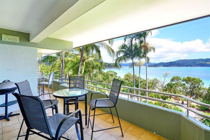 Balcony - Lagoon 201 - Hamilton Island - rentals