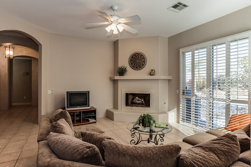 Living Room with Fireplace and TV - Palm Desert Santa Fe - Bermuda Dunes - rentals