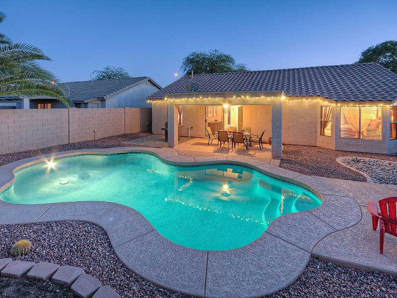 Pool and deck area at twighlight. - Beautiful Home, Optional Pool Heating 30 night min - Apache Junction - rentals