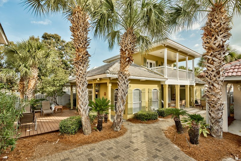 Coconut Cove home - 4br/2.5ba vacation home in Emerald Shores - Sleeps 12 - Coconut Cove*Remodeled*Walk to Private Beach*WIFI - Destin - rentals