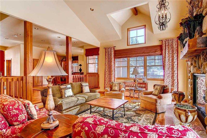 Whitetail Lodge by Ski Country Resorts - Image 1 - Breckenridge - rentals