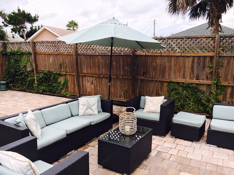 outdoor seating for 12 plus two eating area's - Private Bungalow, best part of the beach - Saint Augustine Beach - rentals