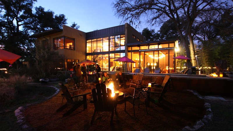 Winters are mild in Austin, perfect for roasting s'mores over the fire pit - Bali Meets Austin In Artist's Spectacular, Private - Austin - rentals